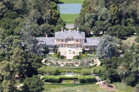 Oprah Winfrey owns this extravagant 42 acre estate located in the Santa Barbara area