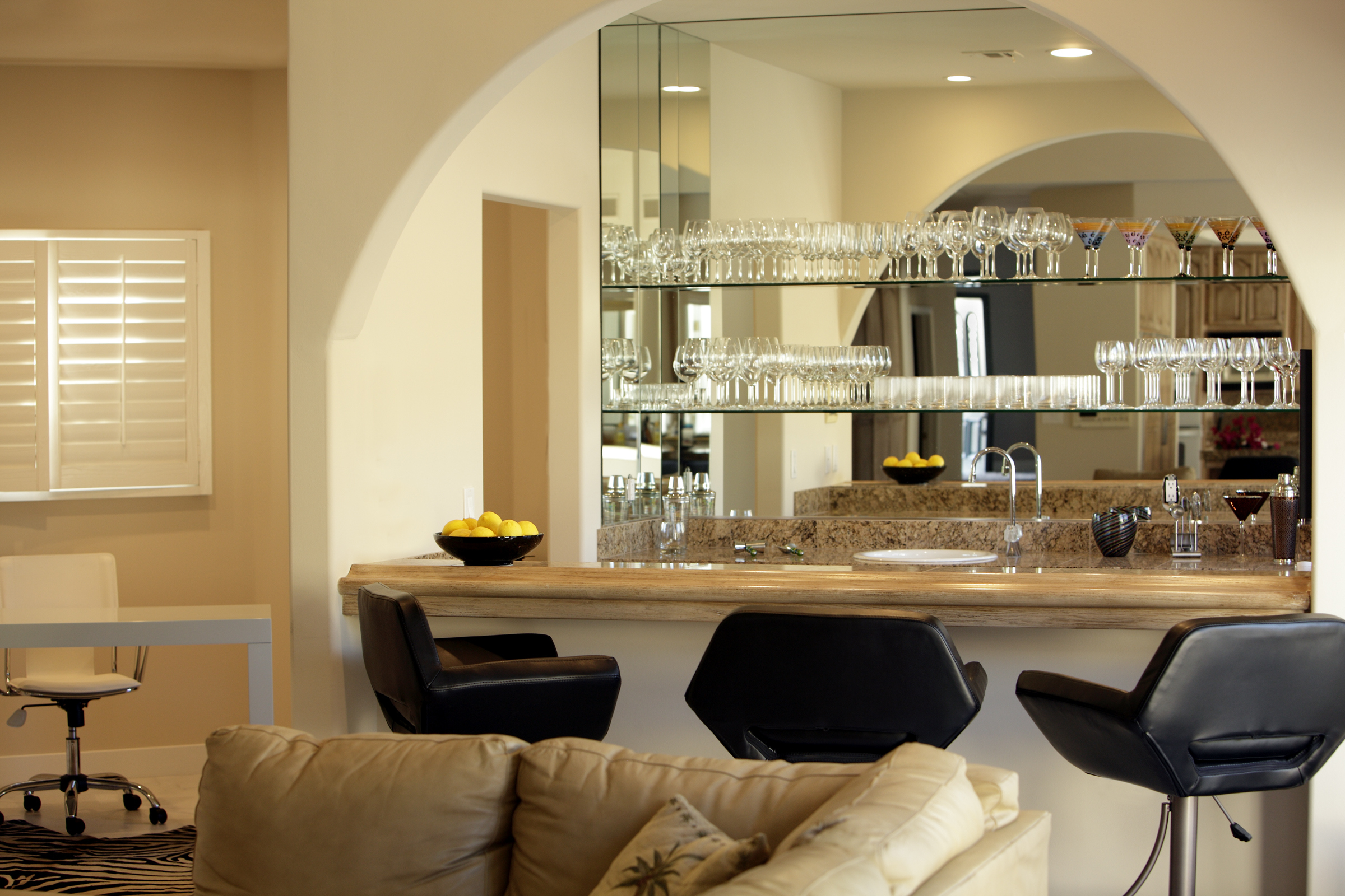 Fully Equipped Home Bar,Office And Great Room