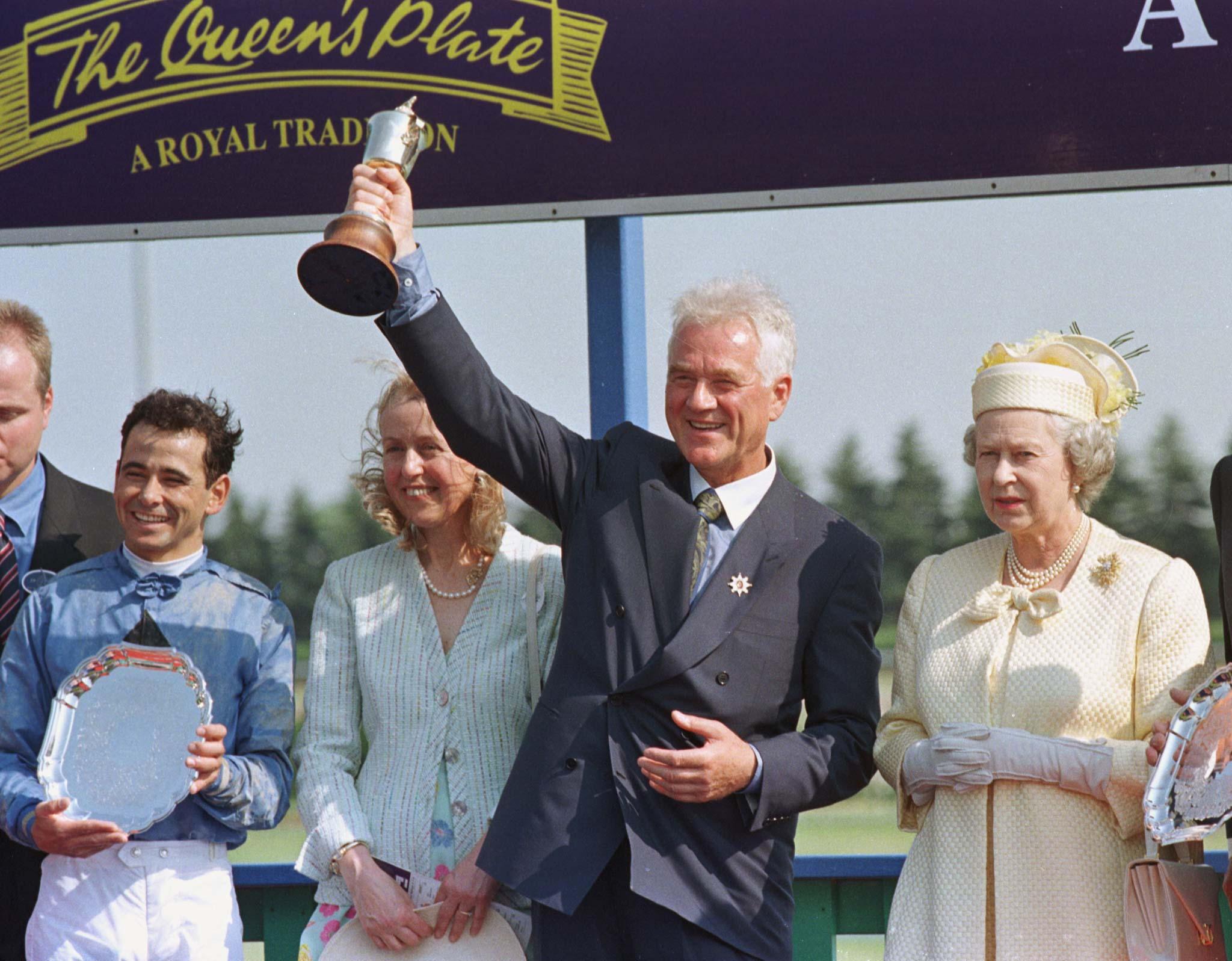 QUEEN ELIZABETH II WITH QUEENS PLATE WINNERS