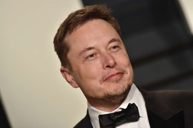 SpaceX CEO Elon Musk arrives at the 2017 Vanity Fair Oscar Party Hosted By Graydon Carter at Wallis Annenberg Center for the Performing Arts on February 26, 2017 in Beverly Hills, California.