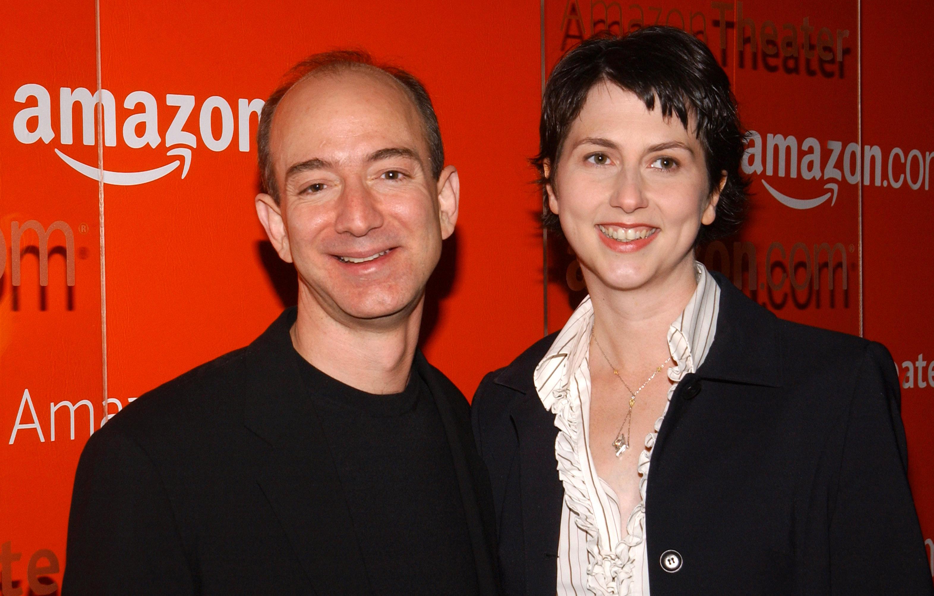 Amazon.com Goes Hollywood for the Holidays - Orange Carpet