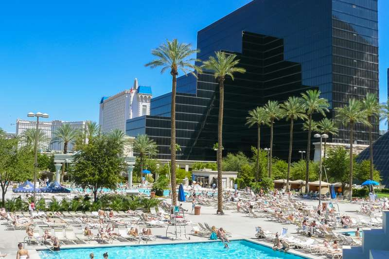 pools Las Vegas in a sunny day