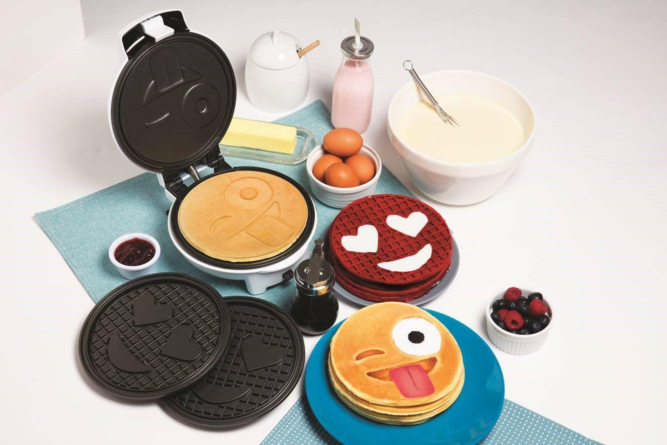 CucinaPro Smiley Face Pancake & Waffle Maker