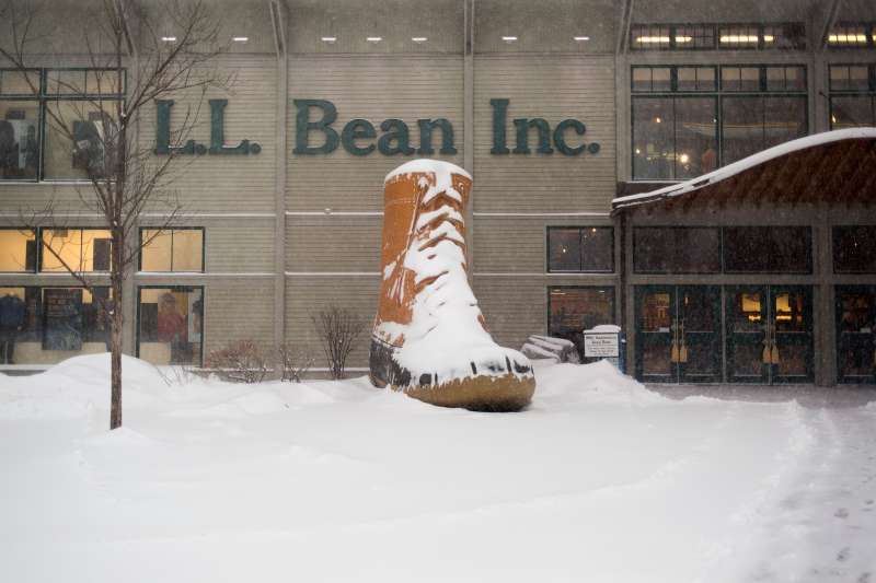 L.L. Bean offers buyouts to 900