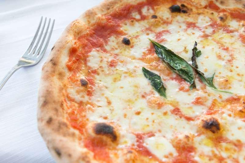 margherita-pizza-pie-day