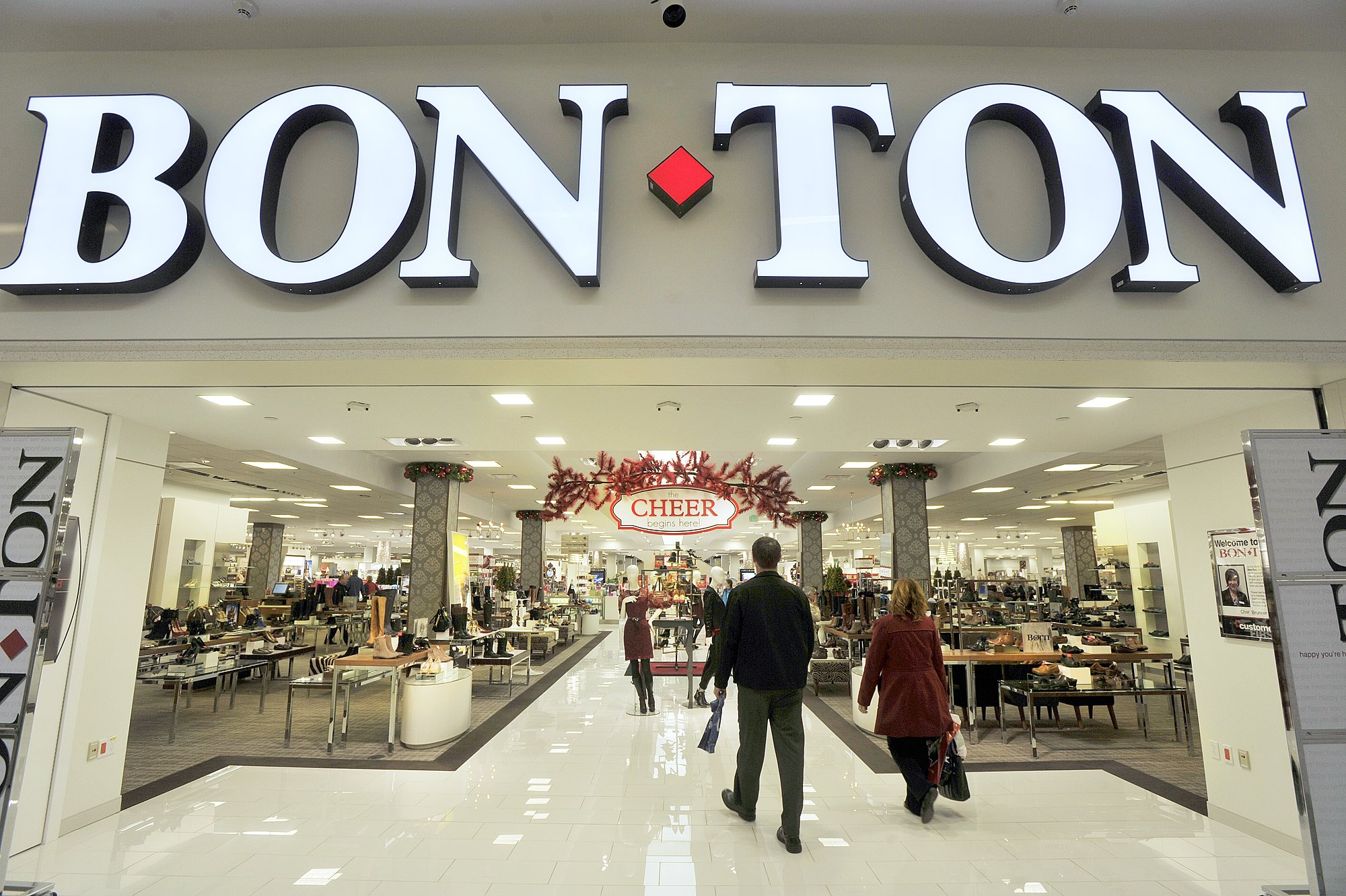 November 13, 2013�The holiday buying season is getting underway at the Maine Mall as stores are be
