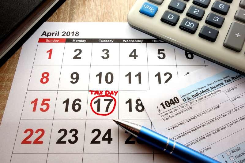 tax return and calendar