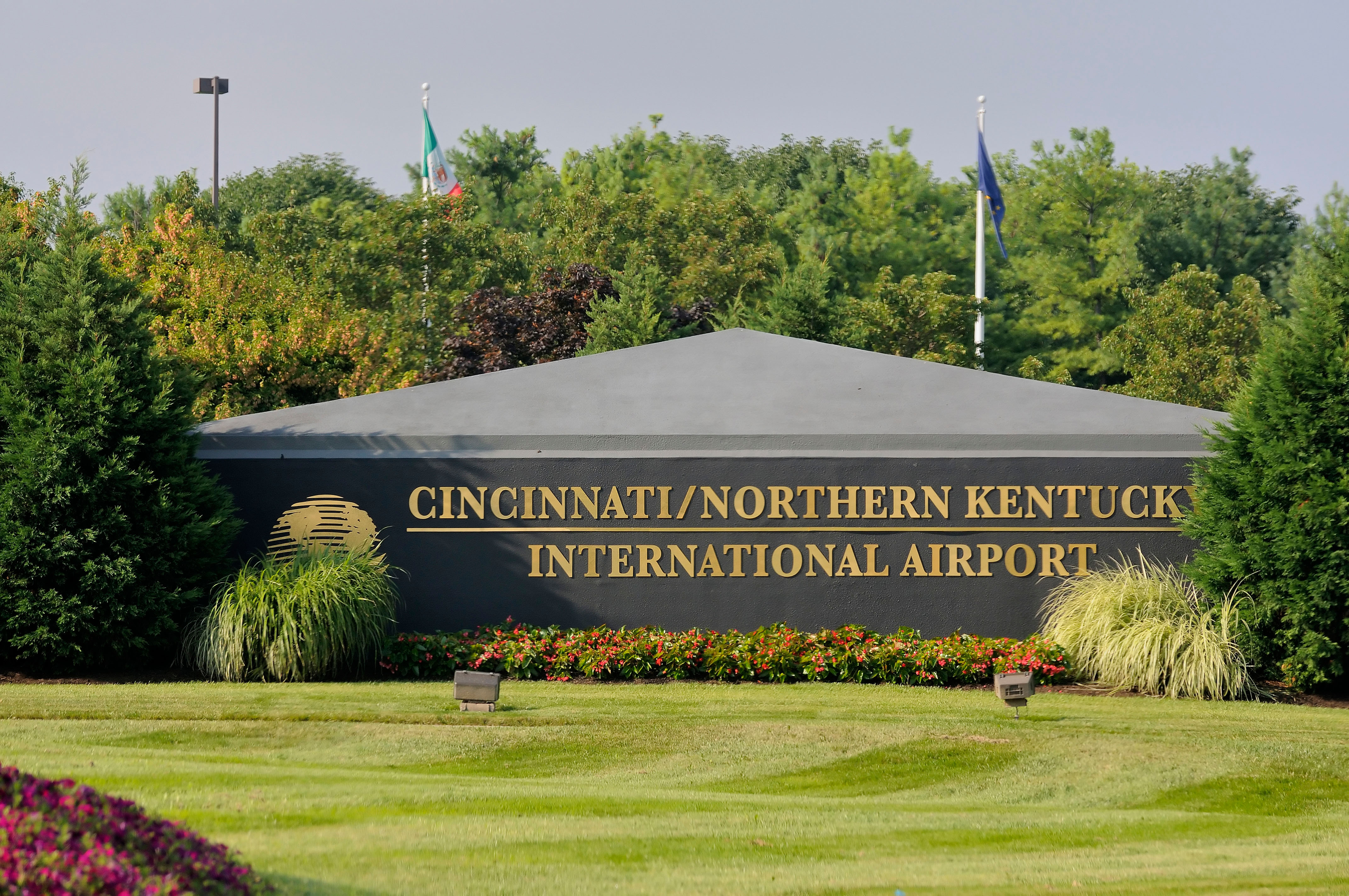 Entrance sign for the Cincinnati/Northern Kentucky International Airport