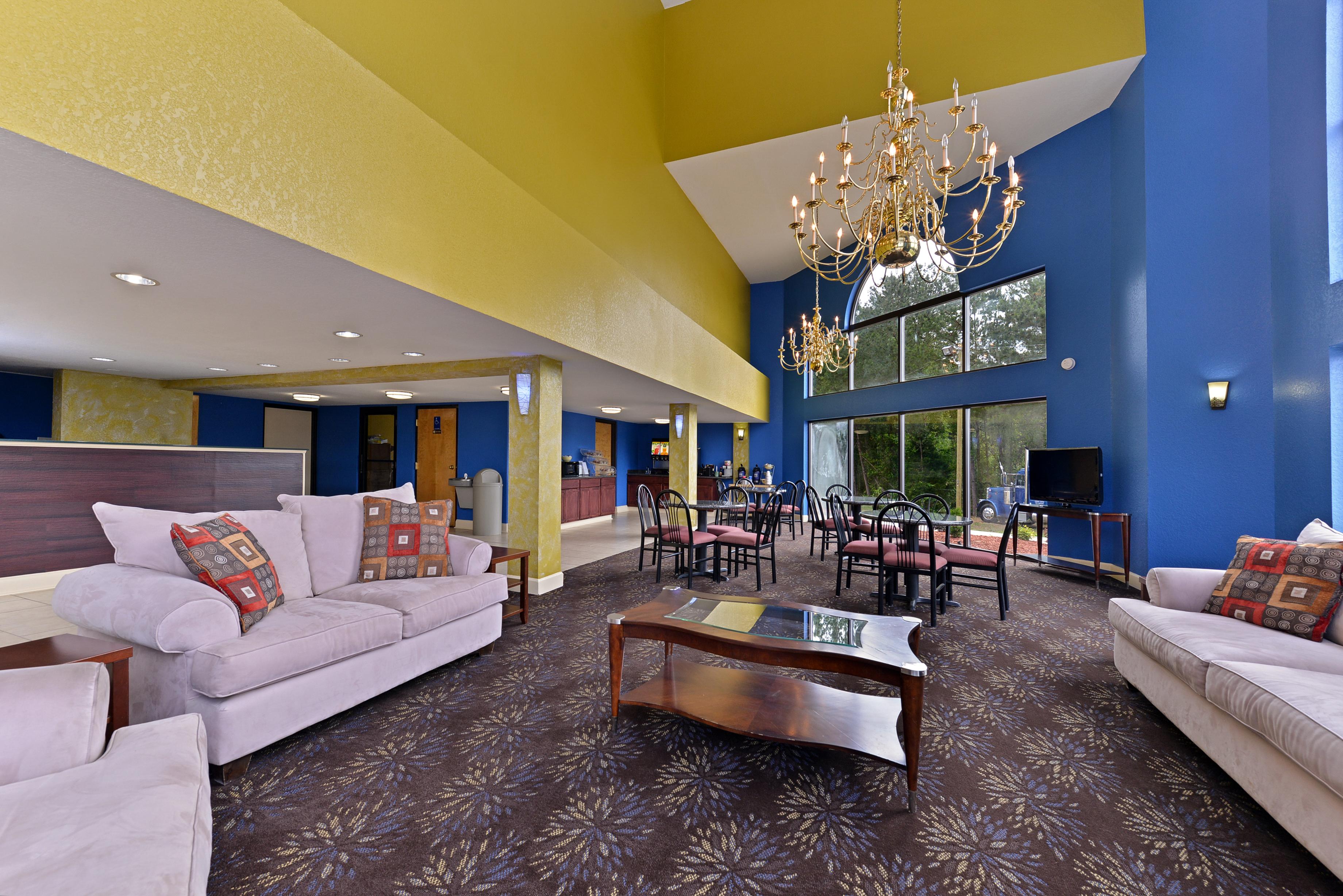 Lobby, America's Best Value Inn, Commerce, Georgia
