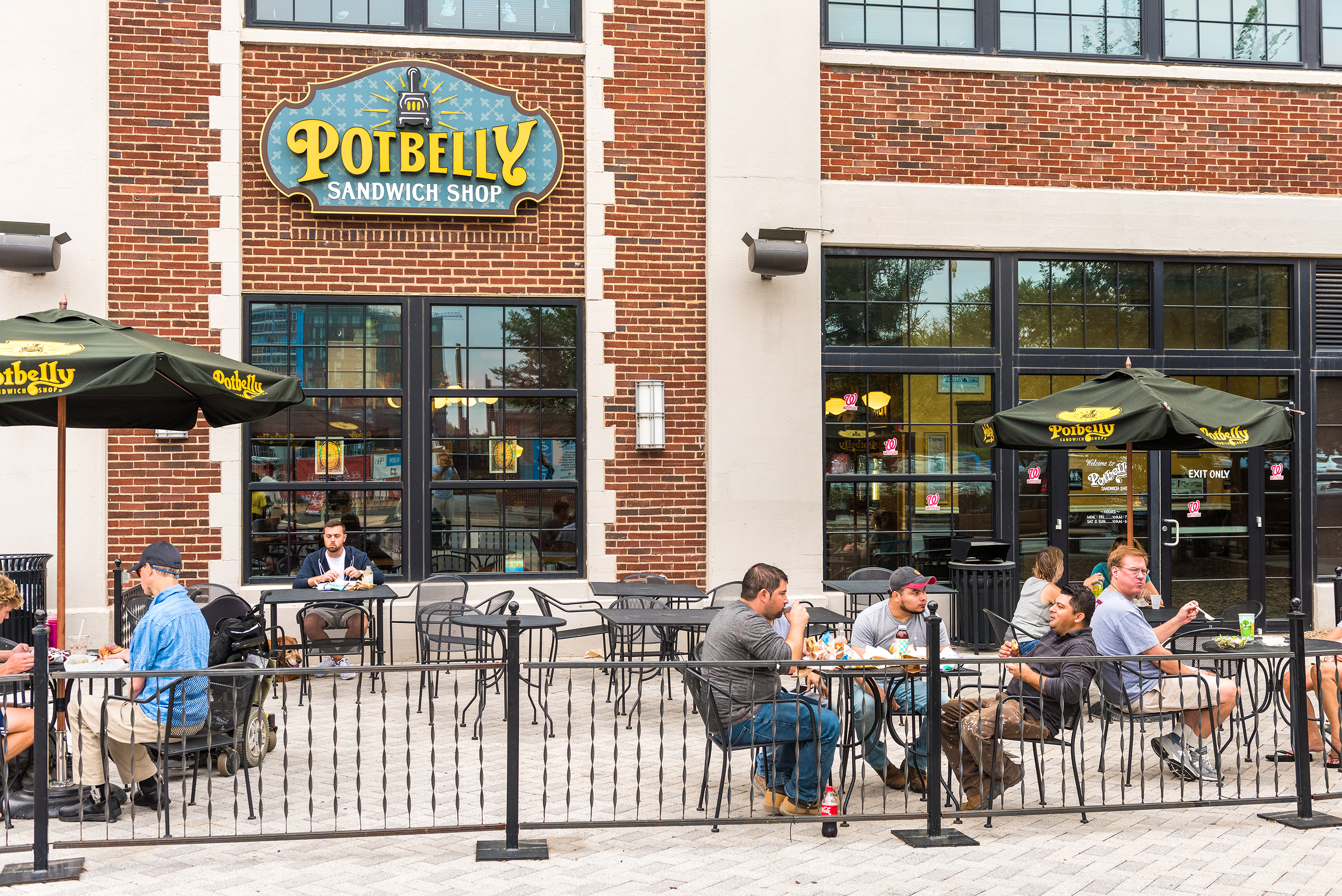 180430-fast-casual-restaurants-potbelly