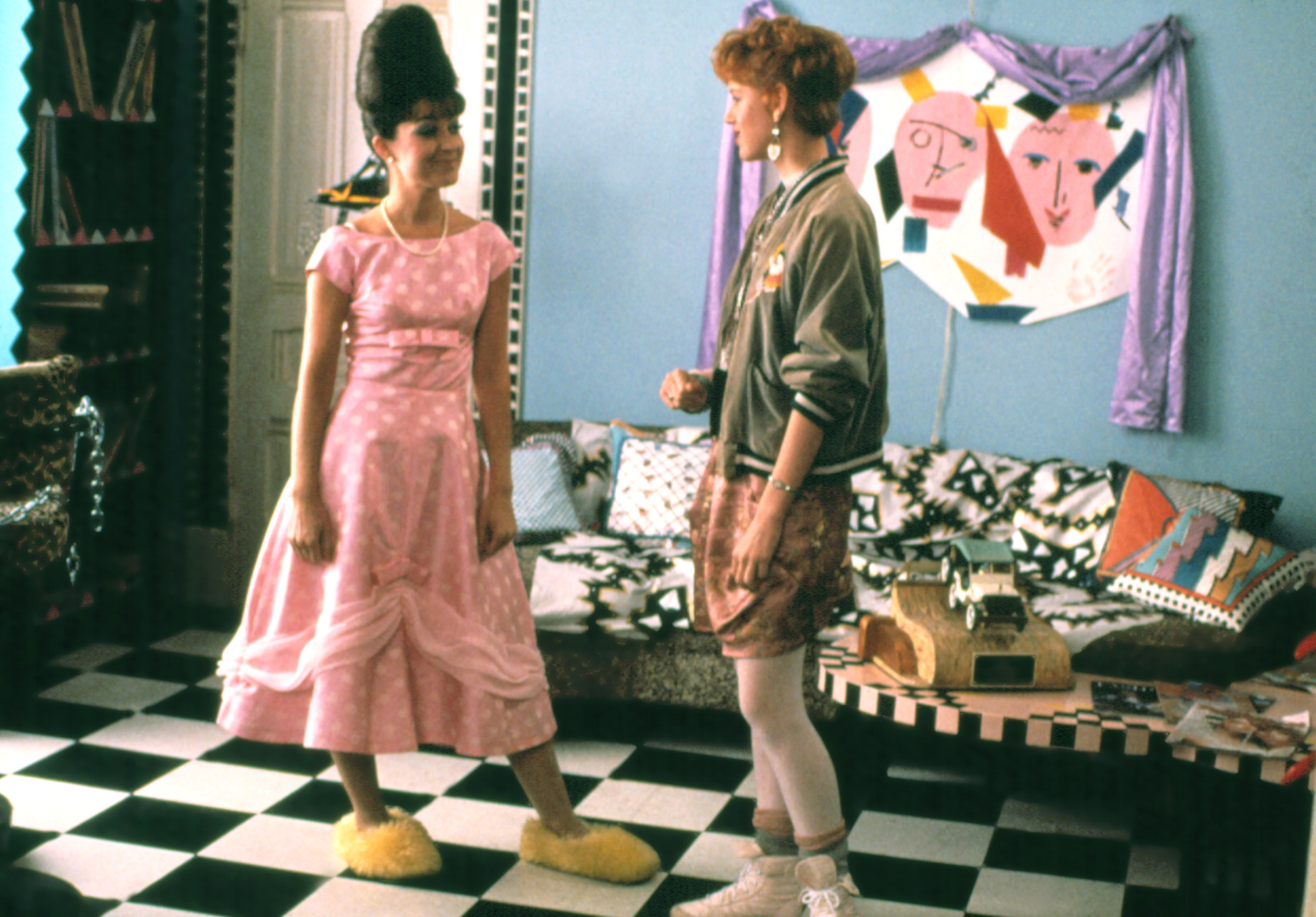 PRETTY IN PINK, Annie Potts, Molly Ringwald, 1986