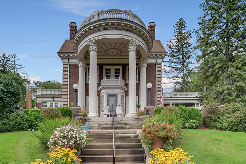 180502-robber-baron-mansions-duluth