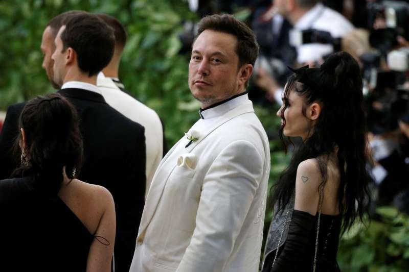 Elon Musk arrives at the Metropolitan Museum of Art Costume Institute Gala in New York, May 7, 2018.