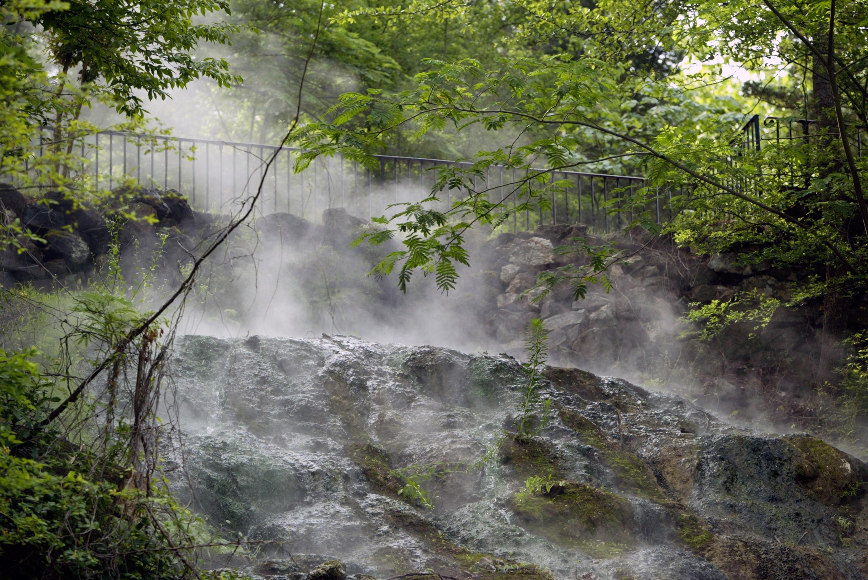 180601-best-national-parks-hot-springs