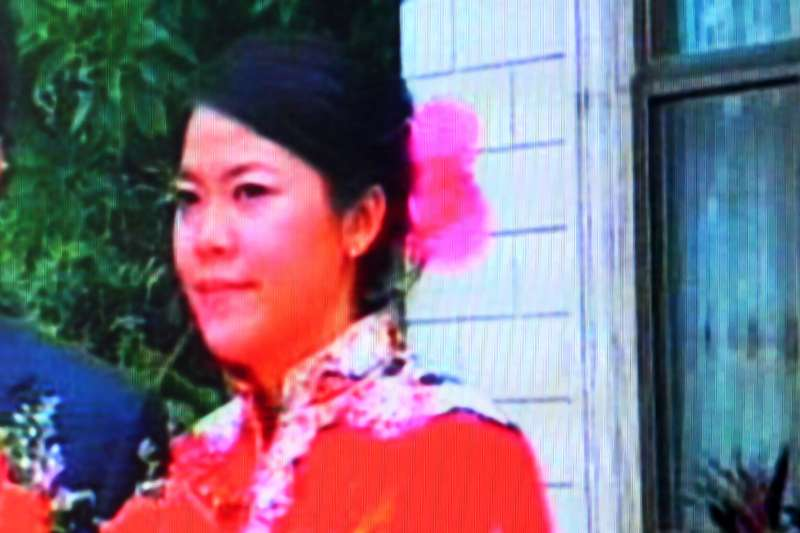 Video screen shot taken on October 23, 2008 shows Yang Huiyan, right, a major shareholder of Country Garden and Chinese Mainlands richest woman.