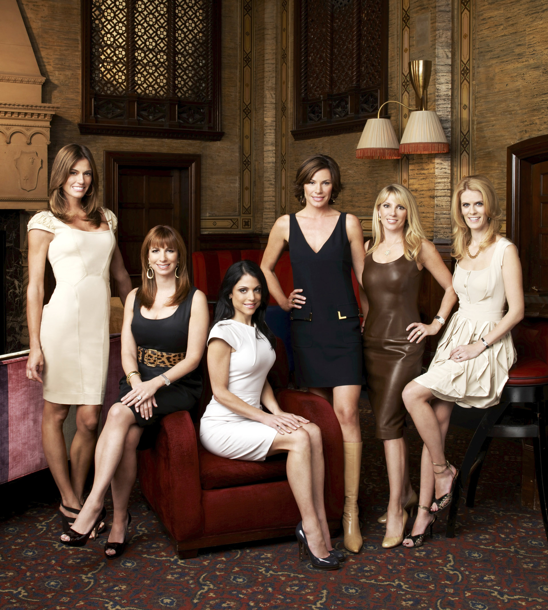 Bethenny Frankel with the cast of THE REAL HOUSEWIVES OF NEW YORK CITY in 2009