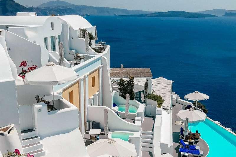 180925-greek-hotel