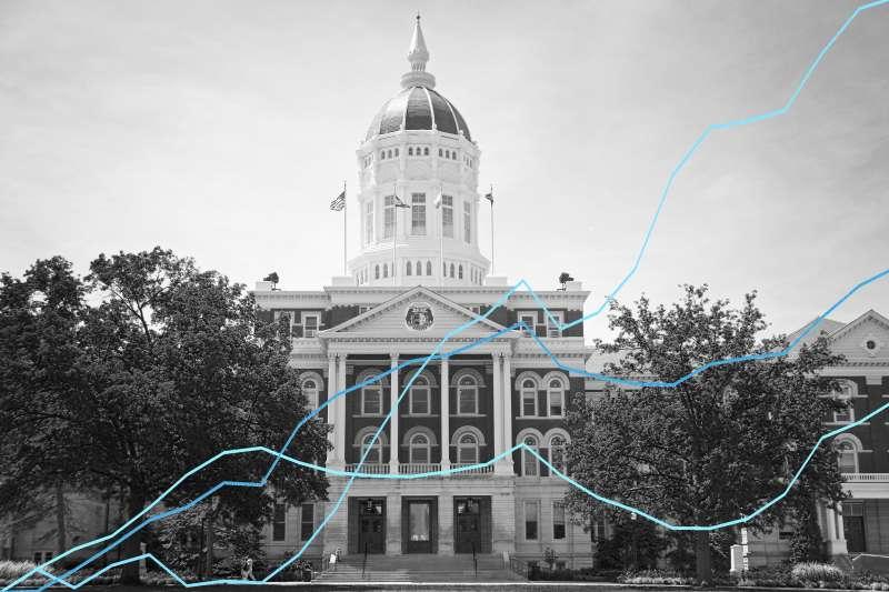 college-prices-decreasing-graphic