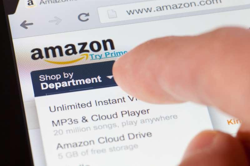 Browsing the Amazon webpage on an ipad