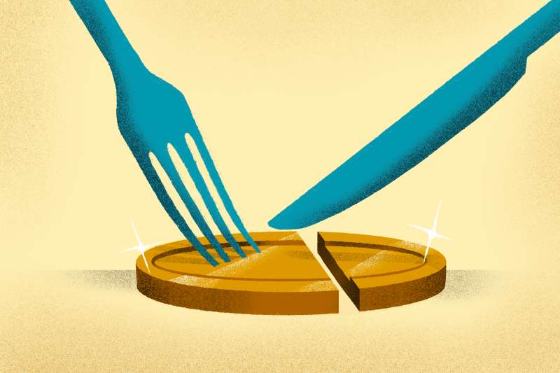 A fork and knife cutting a golden coin in pieces as an analogy for setting aside a piece of your income.