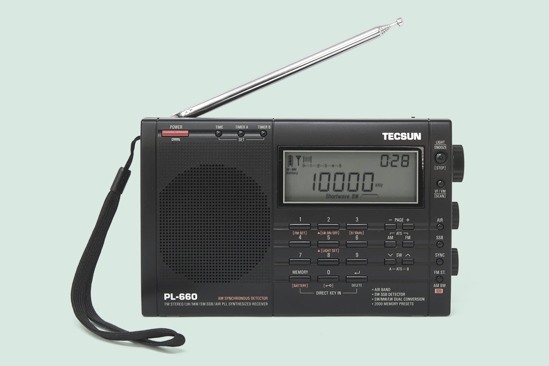 TECSUN PL 660 Portable Shortwave World Band Radio