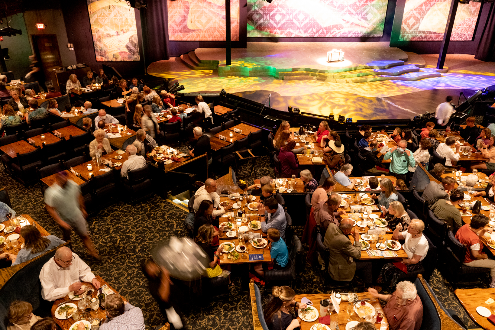 People having dinner at the Chanhassen Dinner Theatres in Minnesota